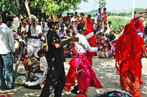 Performances: Krishna's entourage