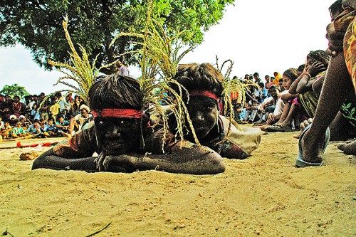 Jharmal Nagpur troupe children